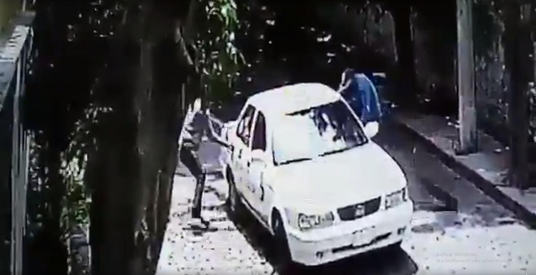 Interceptan a señora en taxi y le quitan 160 mil pesos en Cuernavaca
