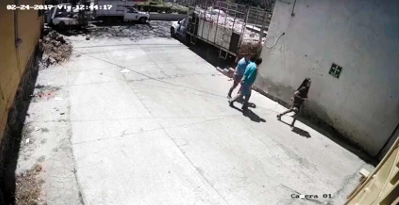Robo. Una pareja fue asaltada por dos sujetos armados que los encañonaron, cuando se dirigían a un negocio de venta de desperdicios industriales, en Ocotepec.