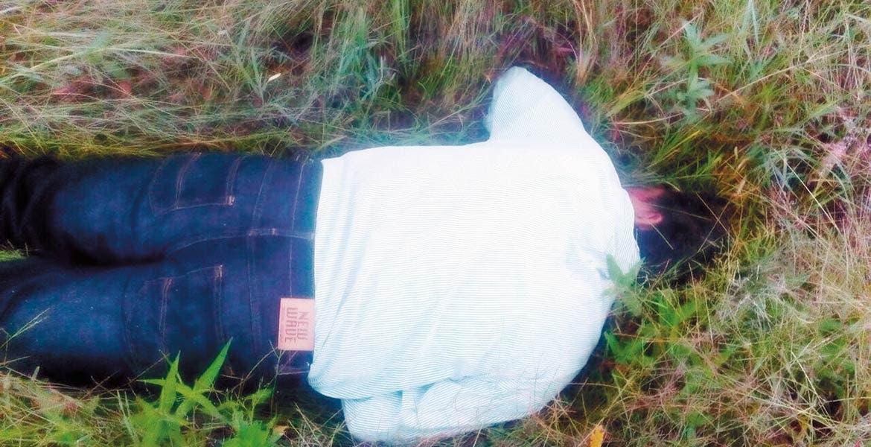 Deceso. Un señor fue asesinado de un balazo y abandonado en un paraje, a orillas de la carretera Atlatlahucan-Totolapan.