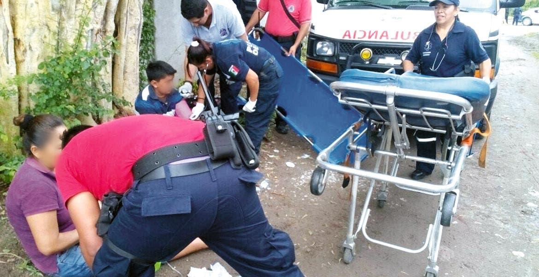 Atención. Una señora y dos menores fueron lesionados a balazos, al ser emboscados en una camioneta.