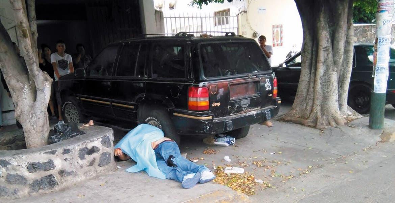 Crimen. Edgar Alejandro Omaña Omaña fue asesinado de seis balazos, al ser emboscado cuando se encontraba afuera de una tienda en la colonia Antonio Barona.
