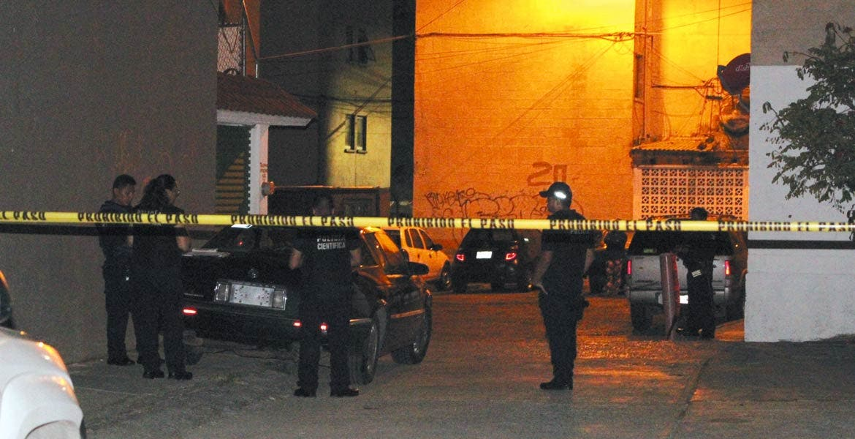 Crimen. Un abogado fue asesinado de una estocada en el cuello y abandonado en la recámara de su casa en la colonia Tulipanes.