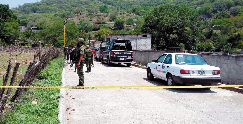 Homicidio. Tres sujetos fueron asesinados a balazos por un comando armado que irrumpió en una casa en el poblado de Ajuchitlán.