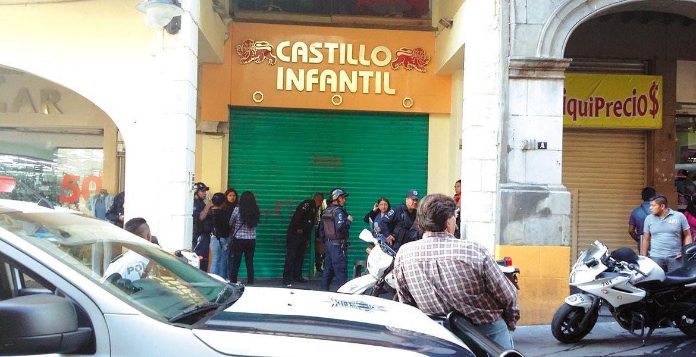 Deceso. Un comerciante fue ultimado de un disparo en la cabeza en el tercer piso del negocio 'Castillo Infantil', ubicado en la zona peatonal de Guerrero, en el Centro de Cuernavaca.