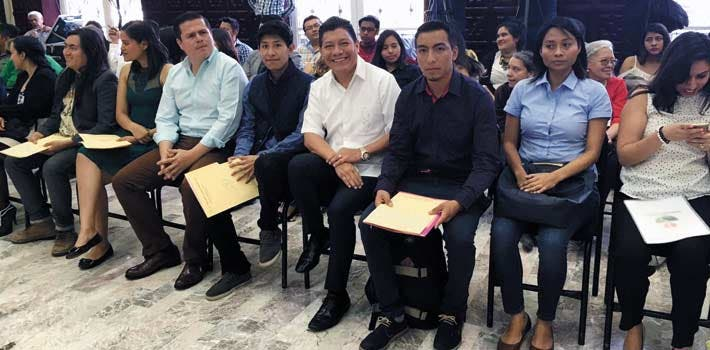 Apoyo. Los jóvenes que constituyeron asociaciones civiles morelenses fueron asesorados por el Impajoven.