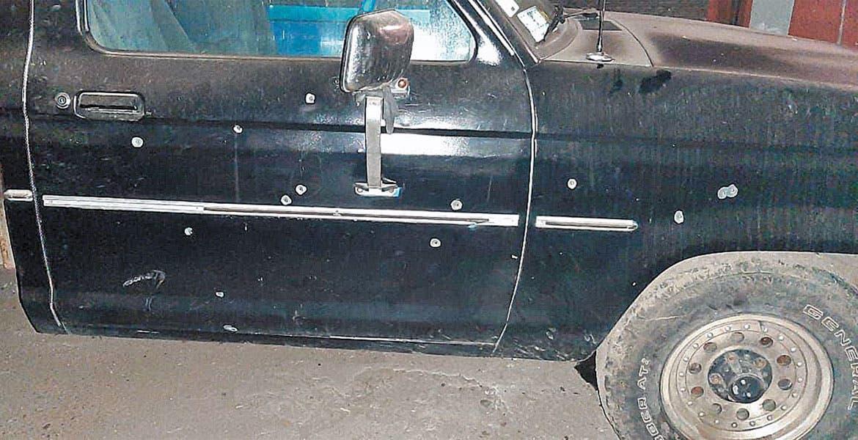 Disparan contra camioneta en Axochiapan y le dejan narcomensaje - Diario de Morelos
