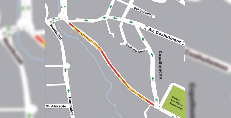 En avenida Atlacomulco jEl horario de cierre de la vía será de las 10 de la noche hasta las 5 de la mañana
