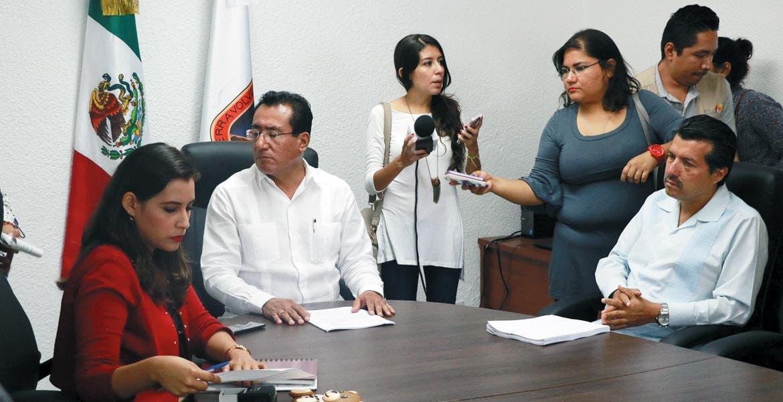 Procedimiento. El auditor Vicente Loredo presentó la denuncia penal ante el fiscal Juan Salazar Núñez.