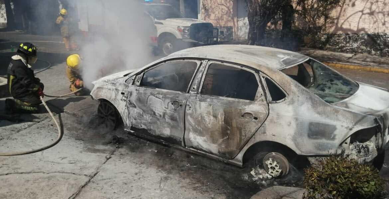 Disparan contra casa e incendian auto en Cuernavaca