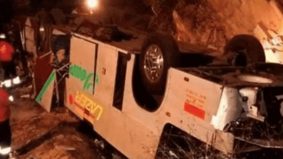 Cae autobús a barranco en Chiapas; hay 7 muertos y 40 heridos