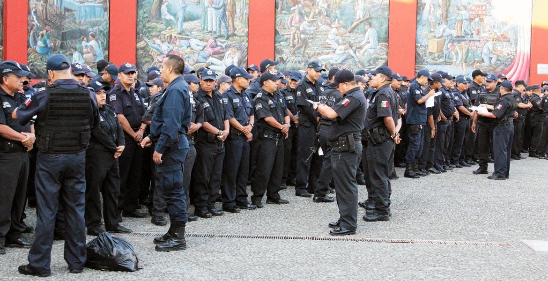Francisco Javier Viruete dijo que han separado a varios elementos por no acreditar cuestiones médicas; Cuernavaca es donde más han despedido