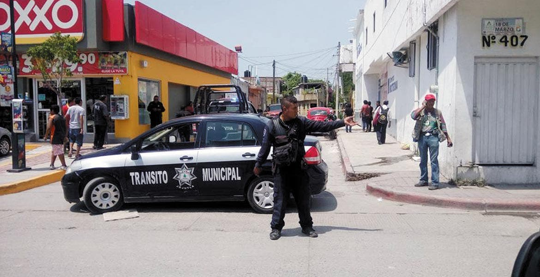 Emboscan. Carlos mejor conocido como 'El Castrol' fue lesionado a balazos al ser atacado por dos sujetos armados en el Centro de Jojutla.