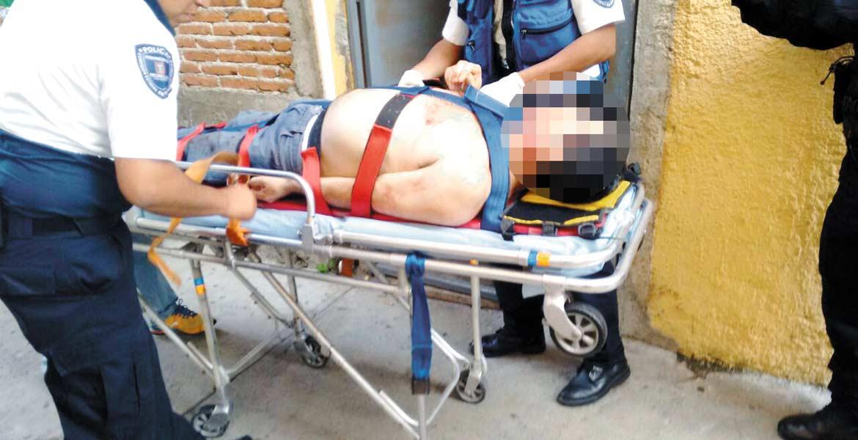 Atención. Adrián recibió cinco disparos en el cuerpo y en el rostro.