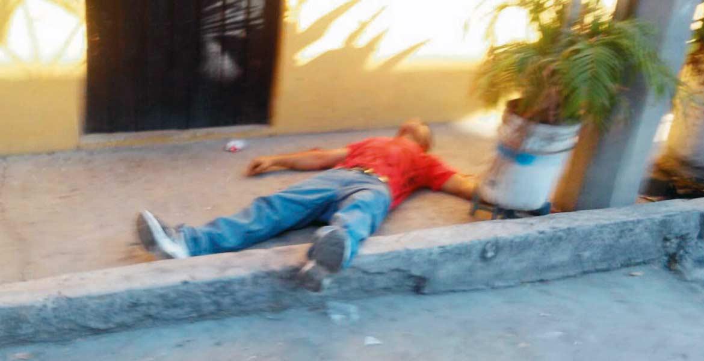 Atentado. Una pareja fue lesionada a balazos cuando caminaban por la calle Sor Juana Inés de la Cruz, de la colonia Ignacio Zaragoza, de Yautepec.
