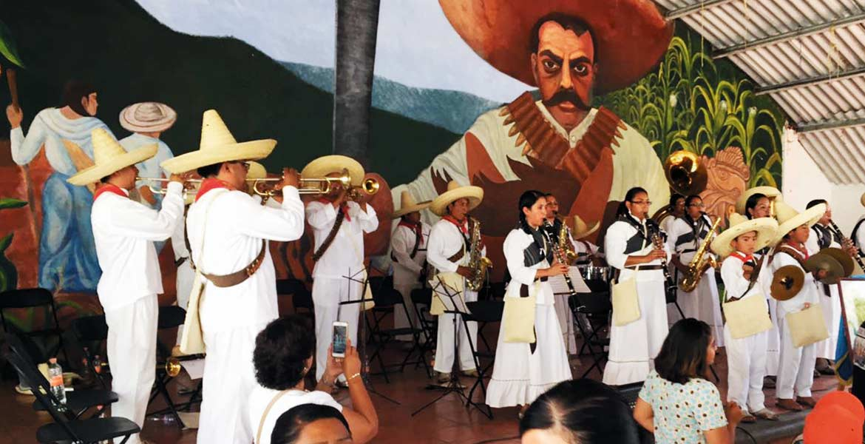 Deleite. Durante la entrega del reconocimiento la Banda de Tlayacapan interpretó varias melodías, que también pueden ser escuchadas los domingos en La Cerería.