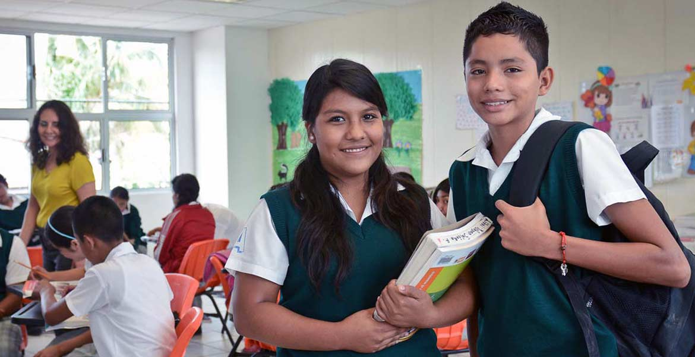 Con la convicción de que la educación es un derecho, desde el inicio de esta administración, el gobernador Graco Ramírez impulsó una política pública que contribuye a que los jóvenes no abandonen los recintos escolares: el programa Beca Salario.