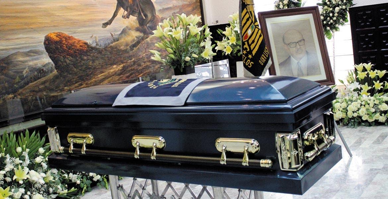 De cuerpo presente. A Casa Morelos llegaron los restos del ex gobernador Armando León Bejarano, para que se le realizara un homenaje.