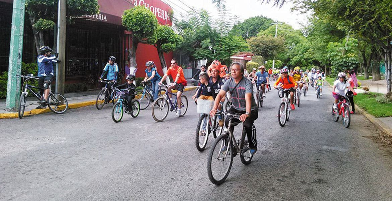"""Alternativa. Autoridades buscan que los morelenses utilicen la bicicleta como medio de transporte. Planean """"Ecobici"""" en Cuernavaca."""
