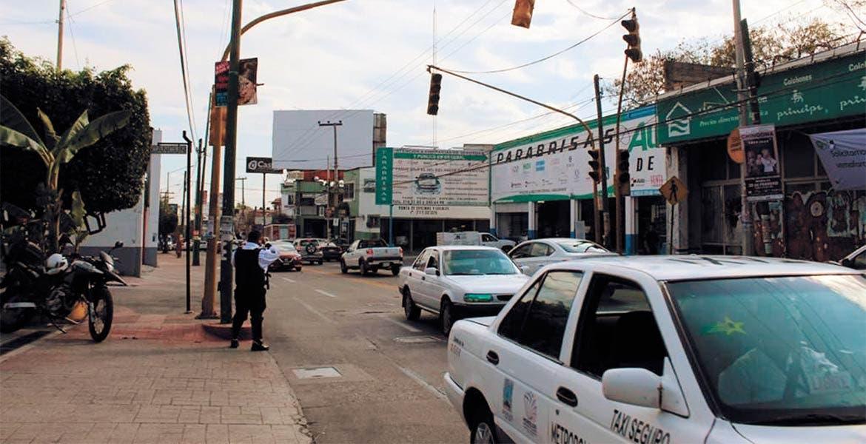 Amagan vecinos con bloqueos mañana en Av. Morelos Sur en demanda de semáforo