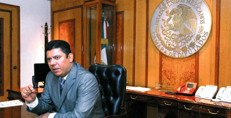 Postura. Javier Bolaños Aguilar pidió a ambas dependencias establecer medidas emergentes para el restablecimiento del mercado.