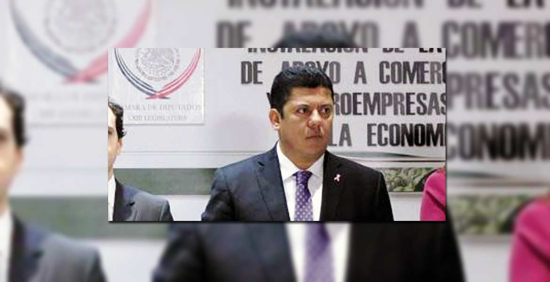 Después de cuatro años del gobierno en turno ha quedado demostrado que fue irresponsable la promesa de bajar el precio, pues siguen dándose aumentos.- Javier Bolaños Aguilar, legislador federal