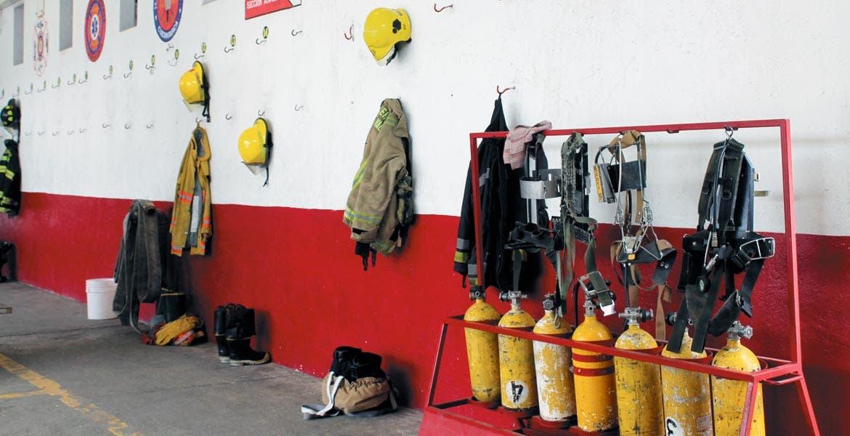 Señalamiento. Los bomberos están buscando apoyos por parte de Gobierno del Estado, así como de otras corporaciones.