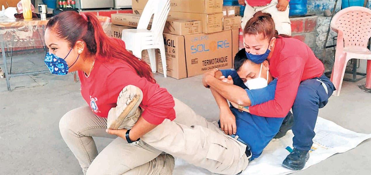 Capacitan a elementos de bomberos y PC en Jojutla Morelos