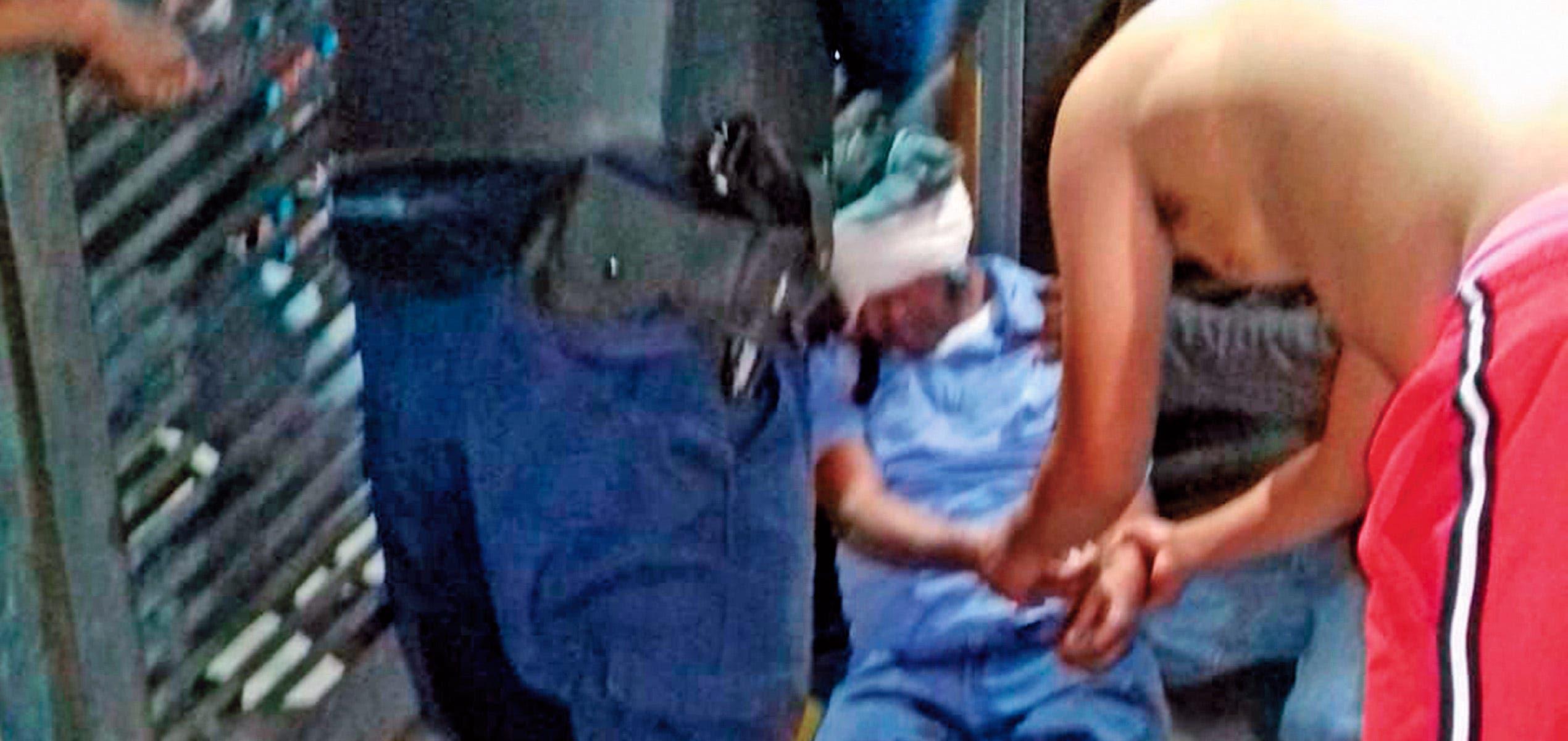 Con golpe de botella dejan inconsciente a un hombre en pelea campal