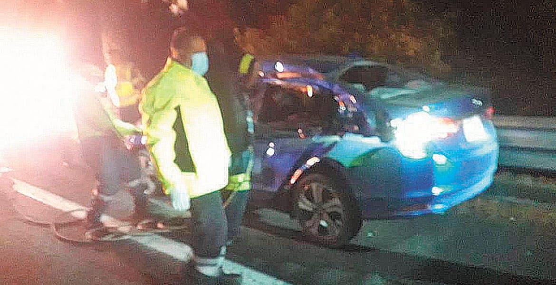 Sale pareja lesionada en choque en Huitzilac
