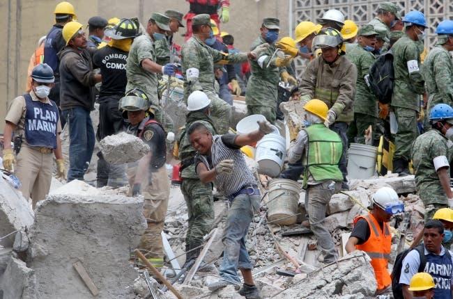 Realizan en Ciudad de México simulacro en memoria del sismo de 1985