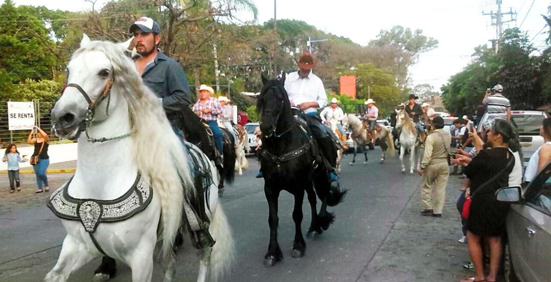 Recorrido. La cabalgata inició en el auditorio Teopanzolco y culminó en la avenida Plan de Ayala.
