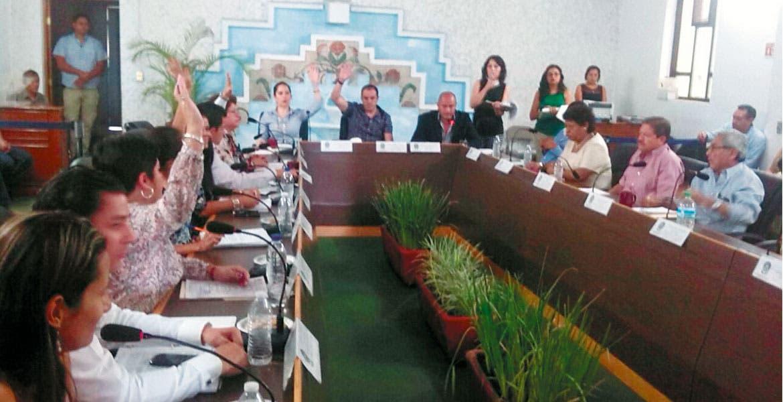 Desacuerdos. En la sesió de Cabildo, una decena de concejales manifestó su oposición a la serie de obras públicas seleccionada.