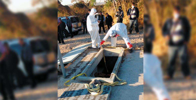 Exhumación. El cadáver de María Dolores Juárez fue sacado de la gaveta A10 del panteón Jardines del Recuerdo.
