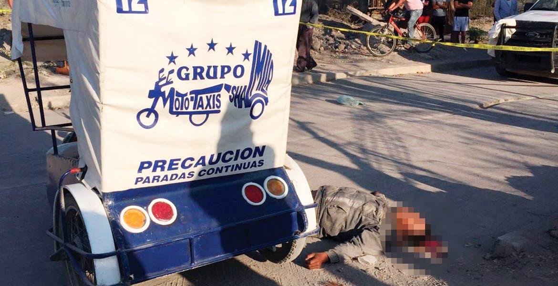 El deceso. Un mototaxista fue asesinado por dos sujetos que lo emboscaron cuando circulaba en busca de pasaje por la calle prolongación 5 de Mayo.