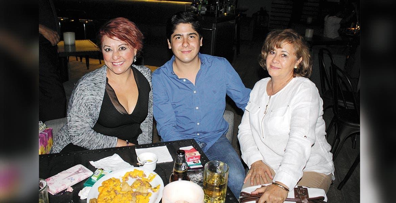 Griselda Soto, Carlos Carvaño y Mercedes Mancilla