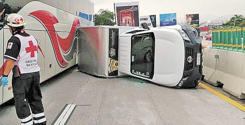 Chocan 5 autos en el Paso Express de Cuernavaca - Diario de Morelos