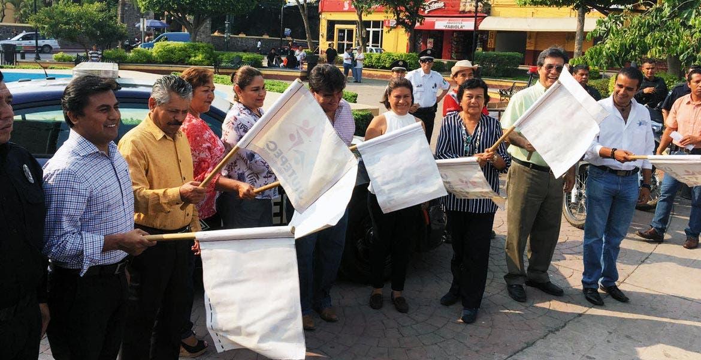 Evento. El alcalde José Manuel Agüero Tovar junto con autoridades dieron el banderazo del arranque de la tercera Caravana de la Prevención, organizada por el Consejo Ciudadano de Seguridad.