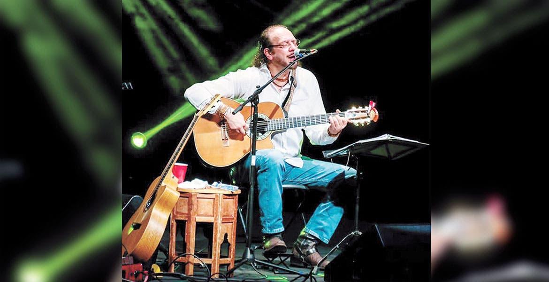 Concierto de Fernando Delgadillo en el Centro Cultural Teopanzolco