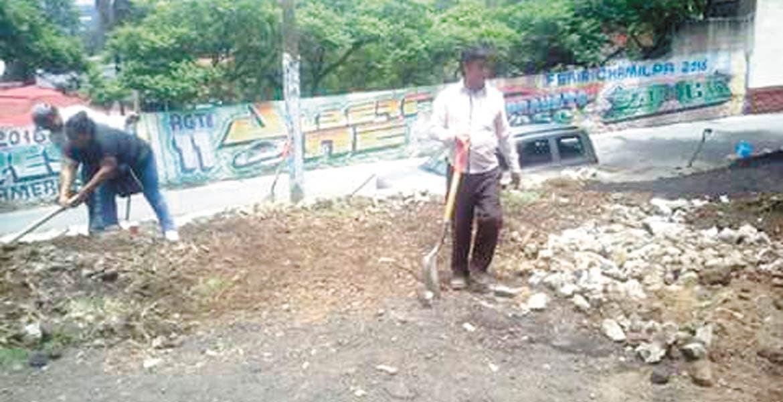Vecinos de Chamilpa se organizan para faenas comunitarias