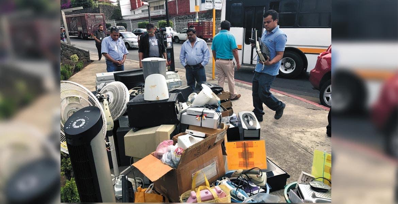 Reciclar. Al año en México se generan entre 150 mil y 180 mil toneladas de basura electrónica; de ésta, únicamente el 10 por ciento se logra reciclar.