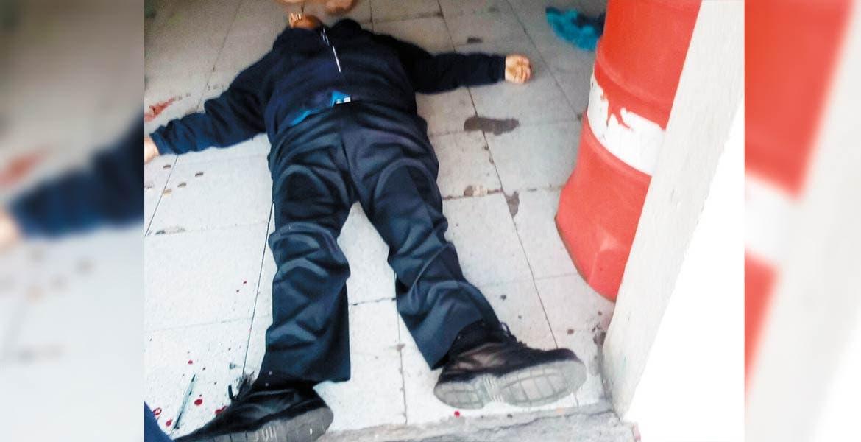 Crimen. Un checador de la Ruta 85 de Cuautla, fue asesinado a balazos al ser emboscado por dos sujetos armados en su base.
