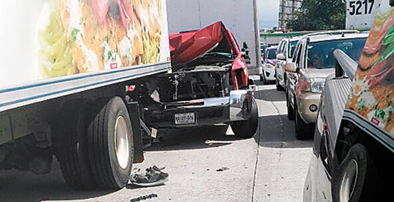 Accidente. Policías federales aseguraron que la camioneta no tuvo la precaución suficiente.