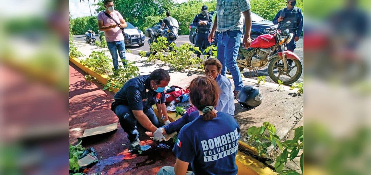 Una motociclista va a dar al hospital tras choque
