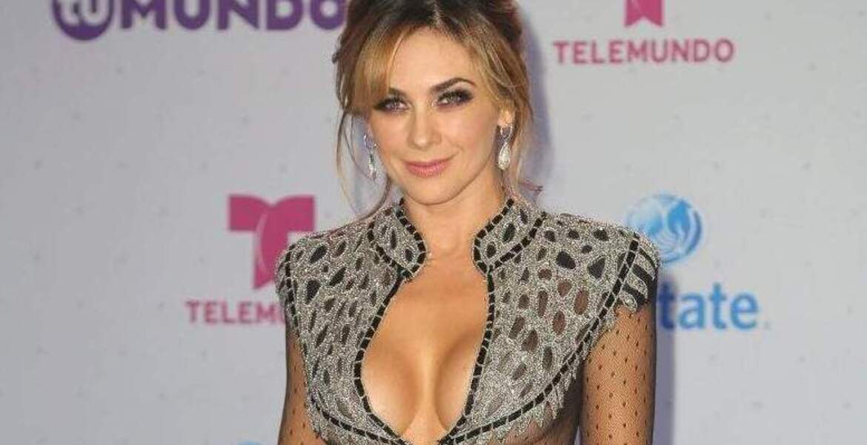 Aracely Arámbula sorprende con redes con una FOTO en vestido de encaje