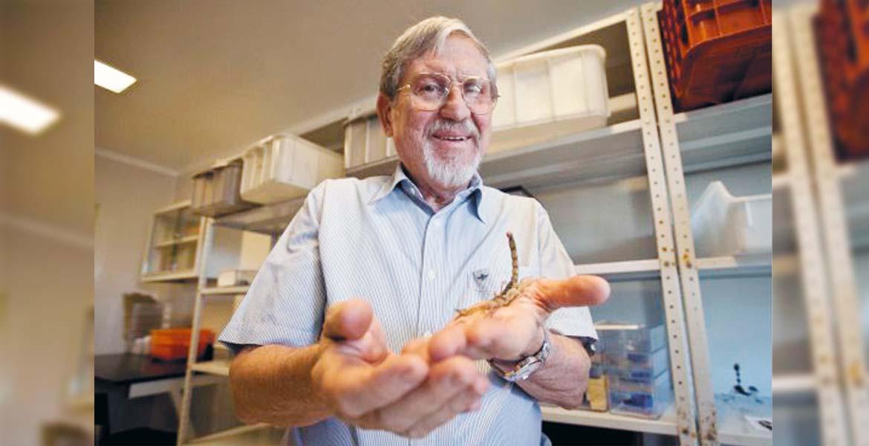 Reconocimiento. El doctor Lourival Possany Postay lleva más de cuatro décadas dedicado a la ciencia.