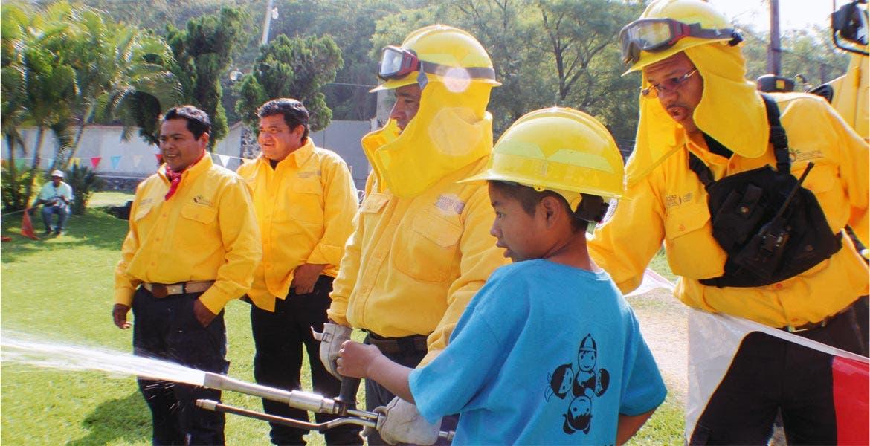 Experiencia ambiental. Con diversas actividades, los menores asistentes a CIMMA cobran conciencia de la importancia del cuidado del medio ambiente.