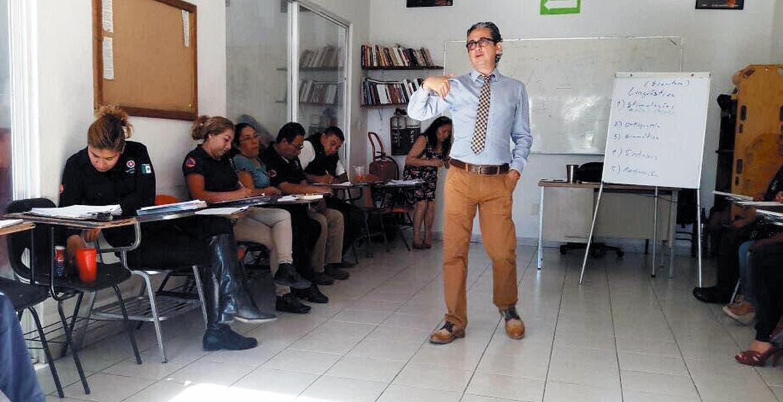 Instrucción. Elementos de Protección Civil de Cuernavaca recibieron un curso de ortografía para desarrollar mejor sus reportes.