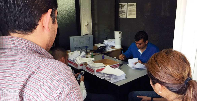 También físicas. En cajas llegaron al IMIPE solicitudes de información hechas por ciudadanos.