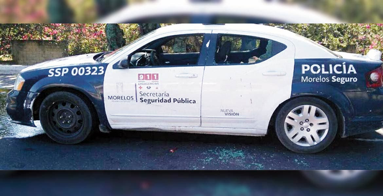 Emboscan. El director del Mando Único de Puente de Ixtla, Isaías Pérez, fue lesionado a balazos al ser interceptado por varios sujetos armados a bordo de camioneta, cuando viajaba en su patrulla junto con su escolta, por la carretera Cuernavaca-Taxco.
