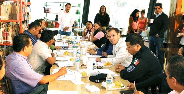 Formalizan. Instalan Comité de Seguridad en las Escuelas de Cuernavaca, donde convergen Policía, directores, padres de familia y autoridades municipales.